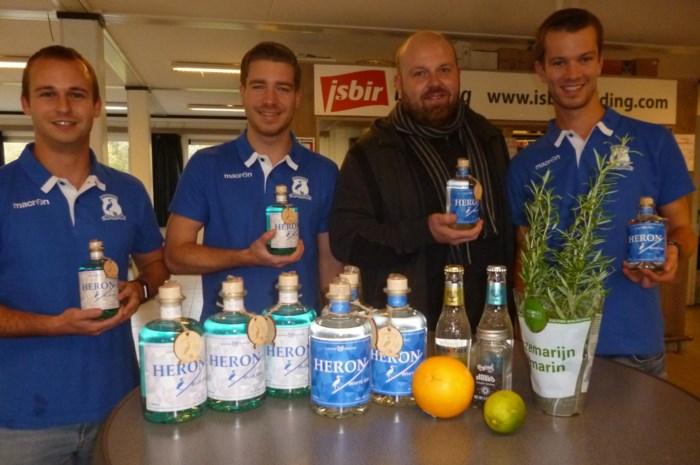 FC Blaasveld maakt blauwe en witte gin