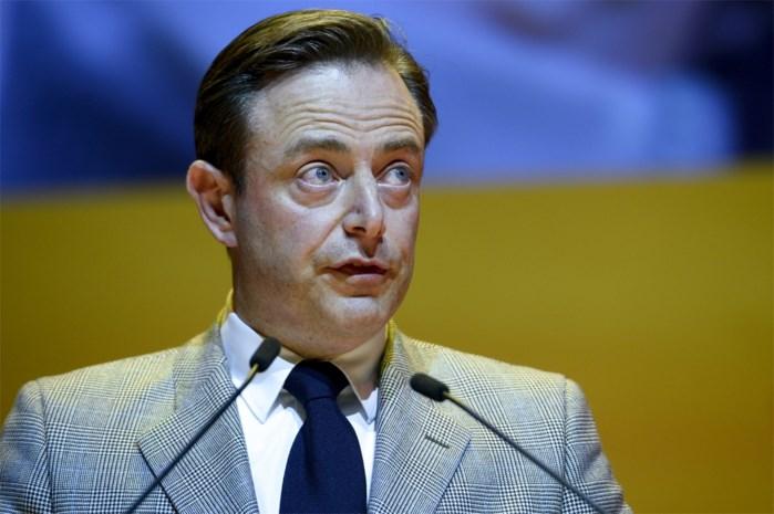 N-VA-opmars maakte Vlaamse Kamerleden minder politiek ervaren dan Franstaligen