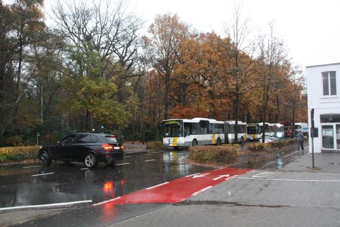 Verkeersongeval op Bredabaan zorgt voor ernstige hinder