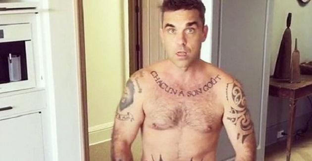Robbie Williams gaat uit de kleren op Instagram