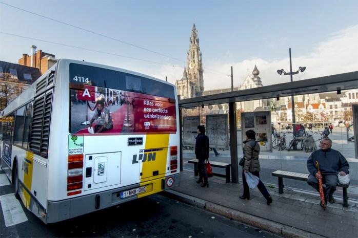 """Open Vld klaagt afschaffing van bushaltes in centrum van Antwerpen aan: """"De Lijn zet reizigers in de kou"""""""