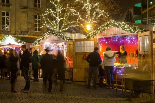 Rodenbachschool met wintermarkt