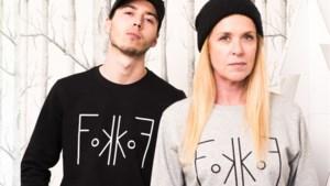 Te koop: de 'Fokkof'-trui van Barbara Sarafian uit 'De Slimste Mens'