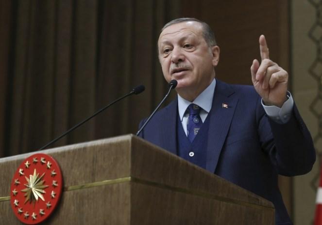 """Erdogan roept wereld op niet te zwichten voor """"Trumps dollars"""""""