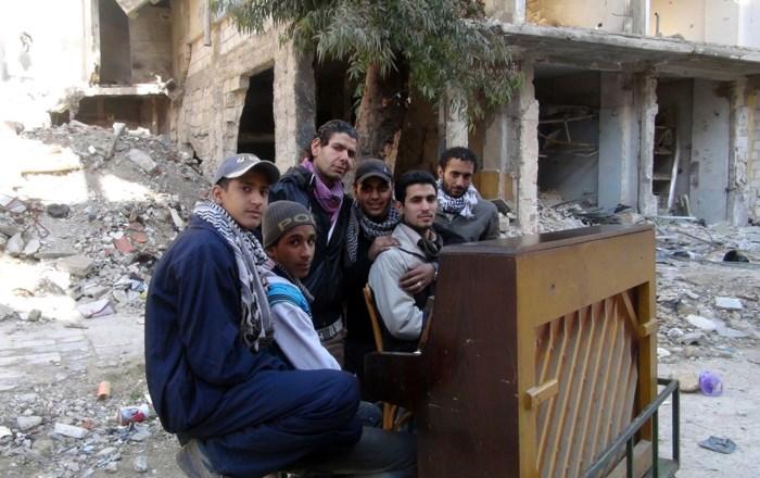 'De pianist van Yarmouk' vertelt  zijn levensverhaal in biografie