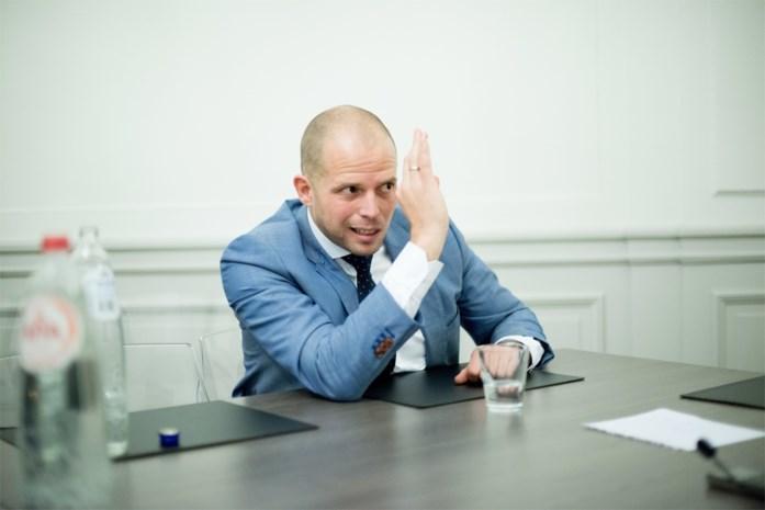 Theo Francken na vergelijking van New York Times: 'Ik, de Vlaamse Trump? Come again?!'