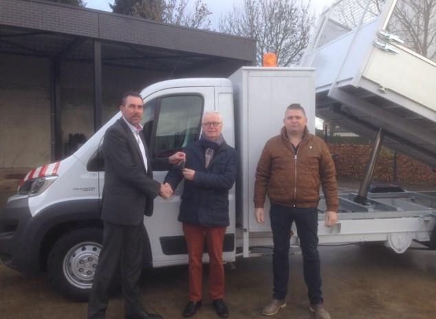 Groendienst krijgt nieuwe vrachtwagen met kipbak