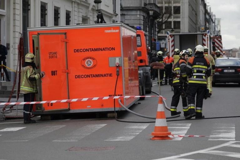 Kabinet staatssecretaris Francken opnieuw vrijgegeven na antraxalarm door enveloppe met verdacht wit poeder en kogel