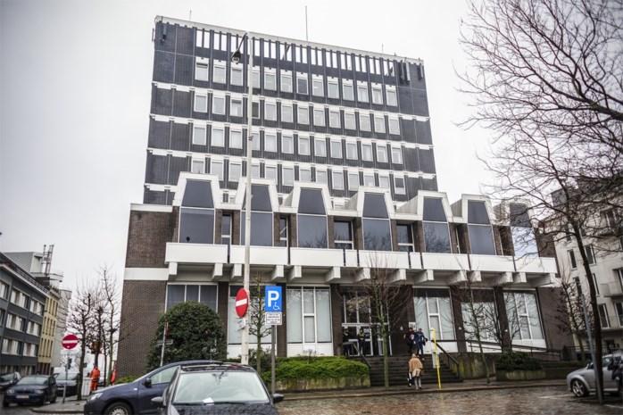 Opnieuw 18 jaar cel voor zestiger die echtgenoot met badjasriem wurgde in Deurne