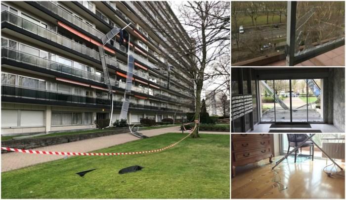 """Politie roept flatbewoners op om binnen te blijven na rukwinden: """"Liever een kapot venster dan een neerstortende bewoner"""""""
