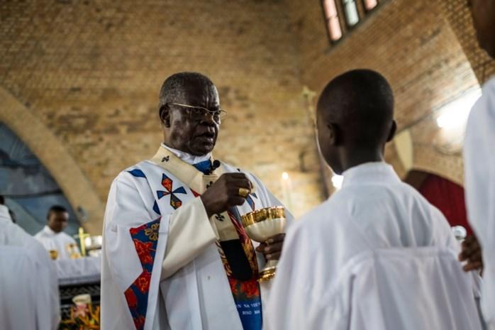 Schoten nabij kathedraal in Kinshasa na een mis opgedragen door kardinaal
