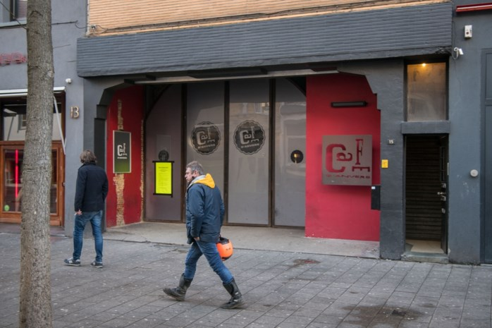 Wordt Café d'Anvers binnenkort een megabordeel?