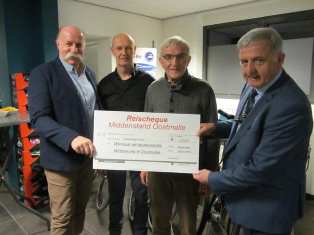 Fons Eggers wint reischeque van 2000 euro