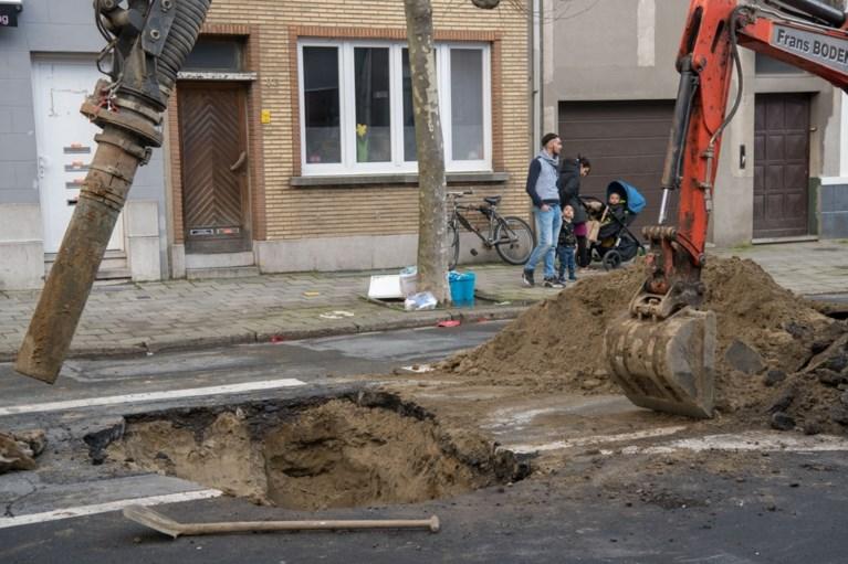 Grondverzakking in Antwerpen-Noord: verkeer richting Noorderlaan volledig onderbroken