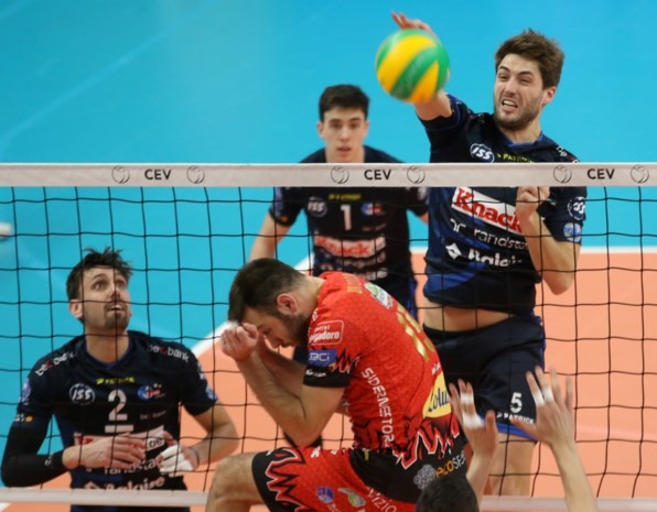 Roeselare kansloos onderuit in Champions League