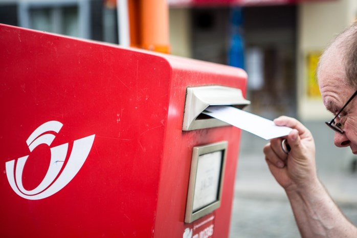 Postzegels worden duurder: tarieven stijgen met bijna 5 procent