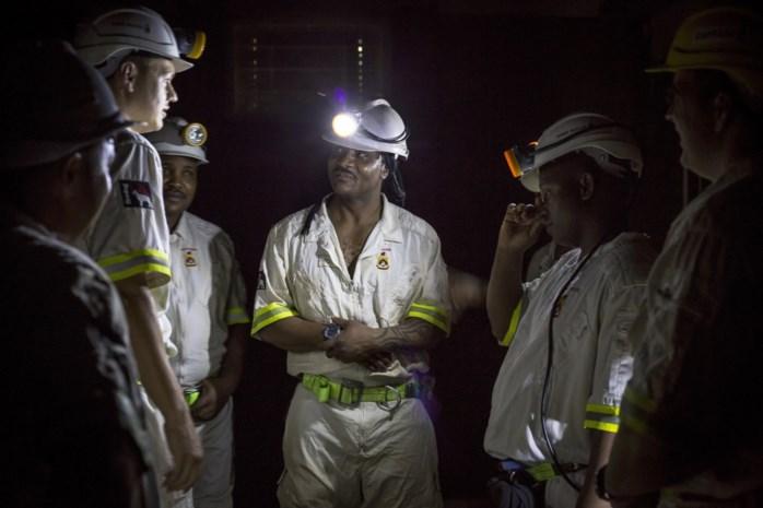 Meer dan 900 kompels in Zuid-Afrikaanse goudmijn weer bovengronds