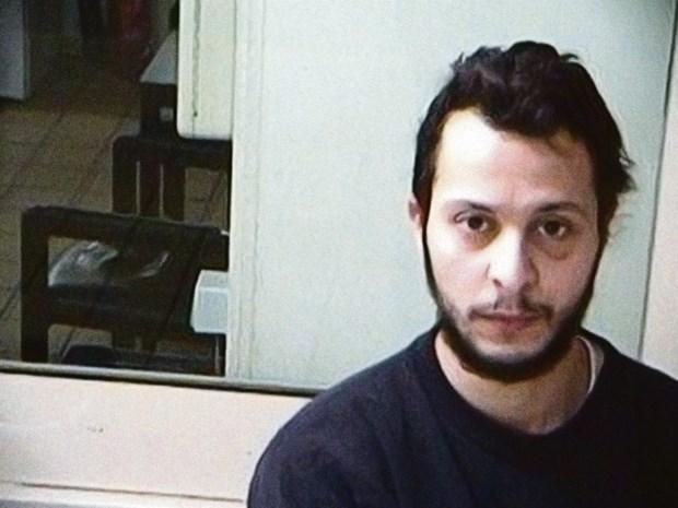 Te land, ter zee of door de lucht? Terrorist Salah Abdeslam komt via geheime route naar Brussels justitiepaleis