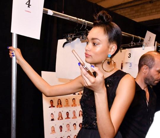 Modellen krijgen voor het eerst kleedkamers tijdens de New Yorkse modeweek