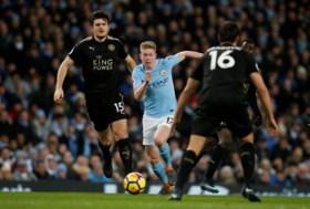 Assists nummer 12, 13 én 14: briljante De Bruyne dolt tegen Leicester