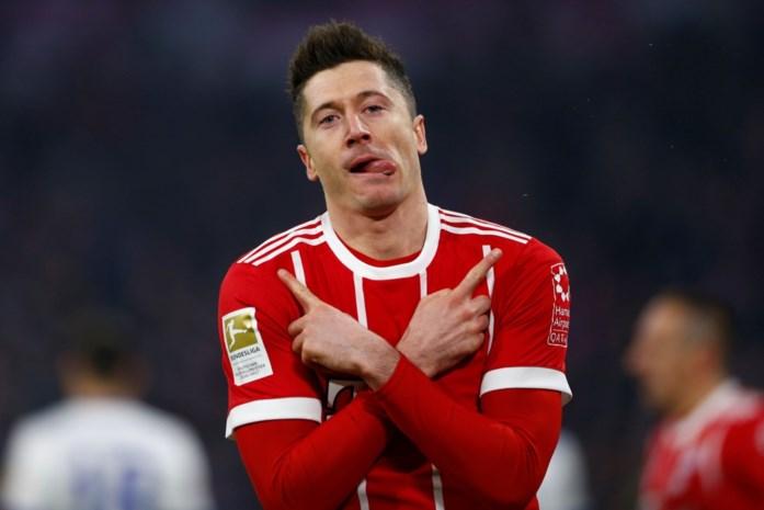 Lewandowski evenaart Bundesliga-record van Heynckes en wint met Bayern van Schalke 04
