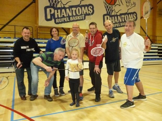 Boomse sportproevers van start met recreatief badmintontornooi