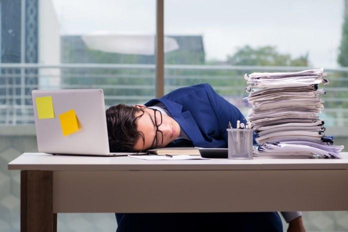 Bijna één op de vijf Belgen vindt zich werkverslaafd