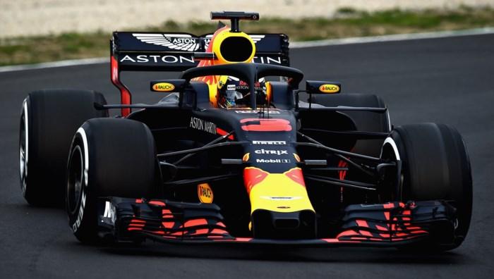 Red Bull bovenaan eerste F1-testdag, Alonso (McLaren) in de grindbak
