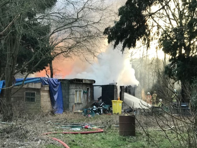VIDEO. Chalet ingestort na brand in Nijlen