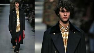 Royal op de catwalk: jonge prins uit Denemarken klust bij als model