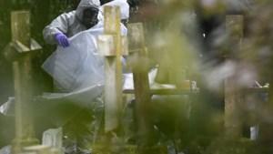 Brits stadje in de ban van spionnengif: militairen kammen zelfs het kerkhof uit
