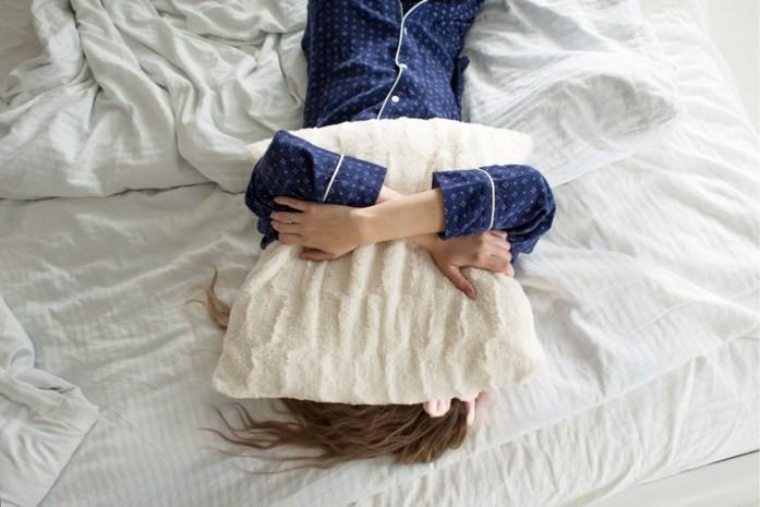 Van te veel piekeren tot een snurkend lief: dit kun je doen tegen veelvoorkomende slaapproblemen