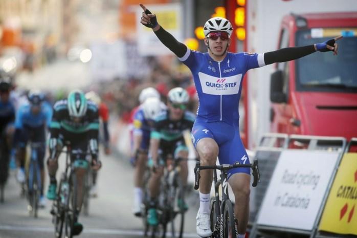 Alweer prijs voor Quick-Step: Hodeg sprint outstanding naar zege in eerste rit Ronde van Catalonië