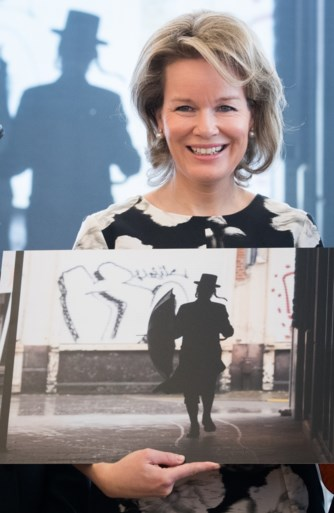 Koningin Mathilde brengt bezoek aan Kazerne Dossin