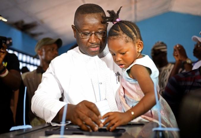 Oppositiekandidaat is nieuwe president van Sierra Leone