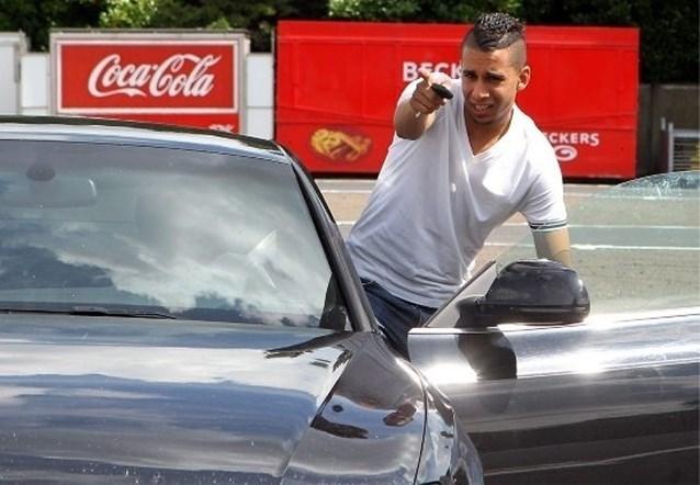 Profvoetballer El Ghanassy loopt zestiende (!) veroordeling door politierechter op: zware boete, rijverbod en Porsche (opnieuw) kwijt