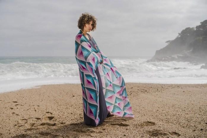 Kunst om je hals: Antwerpse sjaals voor zomerse dagen