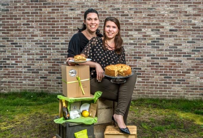 Twee zussen leveren doos met recept én ingrediënten voor taart aan huis