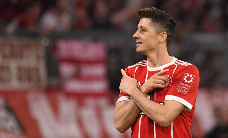 Bayern komt vroeg op achterstand, maar redt met riante zege titelfeestje in eigen stadion
