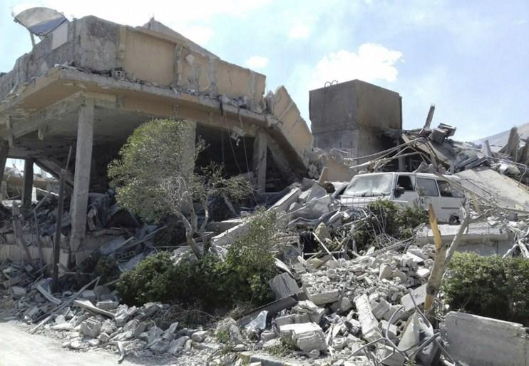 Eerste beelden van schade na bombardementen op Syrië vrijgegeven