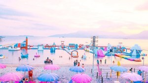 Springkastelen, unicorns en roze parasols. Is dit het ultieme zomerparadijs?