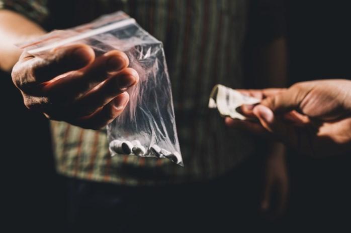 Experts willen drugsgebruik uit de strafwet halen, Antwerpse politici reageren verdeeld