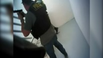 Nieuwe beelden schietpartij Las Vegas: politie valt hotelkamer schutter binnen