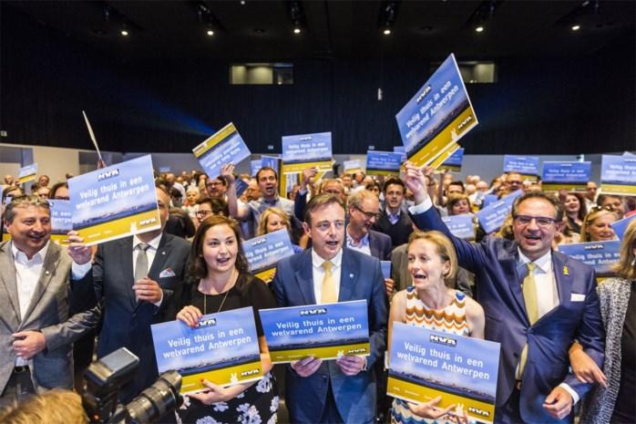 """Bart De Wever maakt speerpunt van Nederlands en identiteit: """"Verplicht naar kleuteronderwijs bij taalachterstand of minder leefloon"""""""