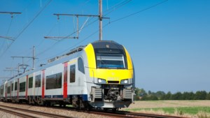 """Infrabel: """"Siemens is verantwoordelijk voor al 9.000 minuten vertraging"""""""