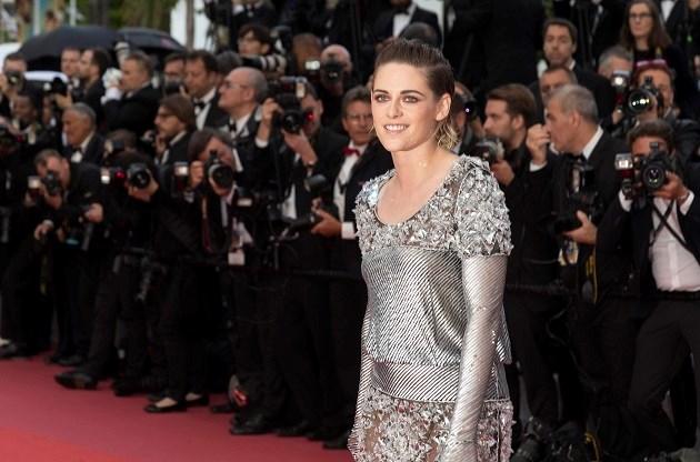Kristen Stewart veegt haar voeten aan regels van Cannes