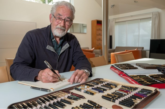 """Francis (73) heeft verzameling van 400 exemplaren: """"Mijn duurste vulpen? Een Montblanc van 5.000 euro"""""""