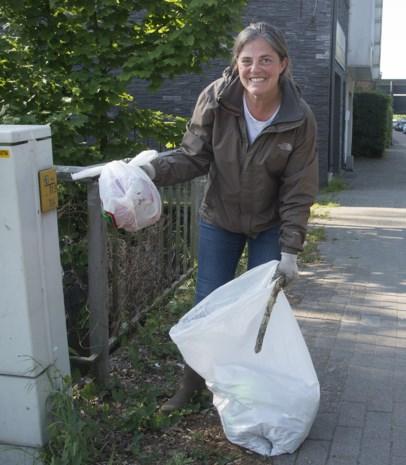 """KEMPEN. Zij helpen om van Turnhout een propere stad te maken: """"Ik vind zelfs flessen vol urine"""""""