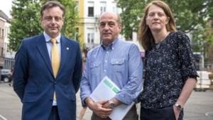 """De Wever roept Antwerpenaars op tot meer netheid: """"Het niet onder controle krijgen van sluikstorten is mijn grootste frustratie"""""""