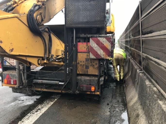 Verkeershinder op A12 richting Brussel door brandende vrachtwagen